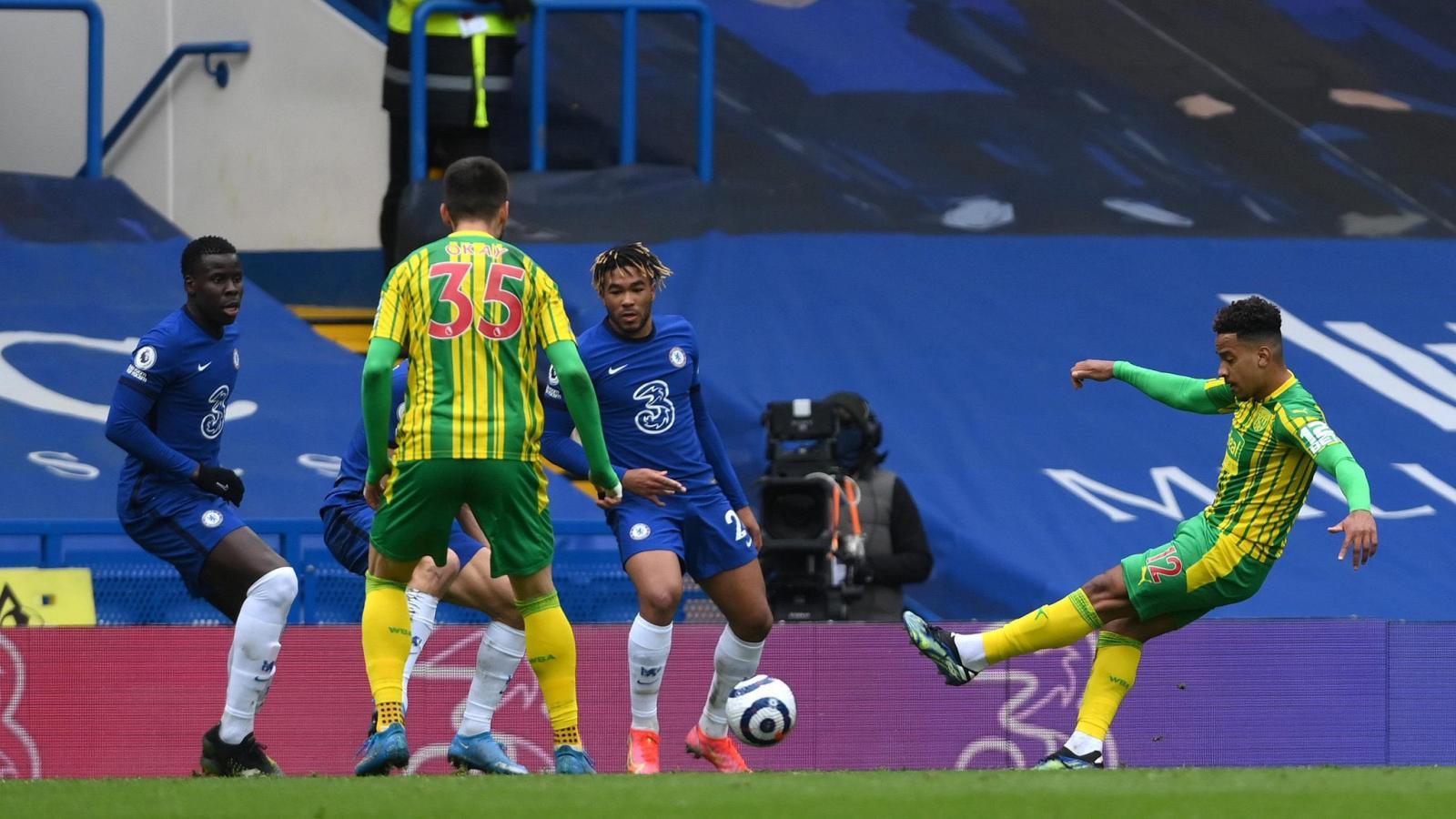 La zurda prodigiosa de Matheus Pereira para anotar el segundo de su equipo y de su cuenta personal. El brasileño brilló en Londres.