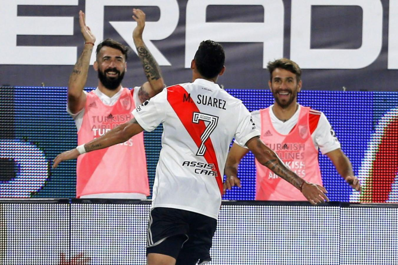 Ponzio y Pratto no lo pueden creer: Suárez hizo un golazo