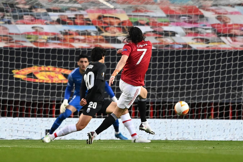 Cavani ya sacó el zurdazo de aire para el 1-0 parcial. El uruguayo jugó 60 minutos. Foto: @ManUtd_Es