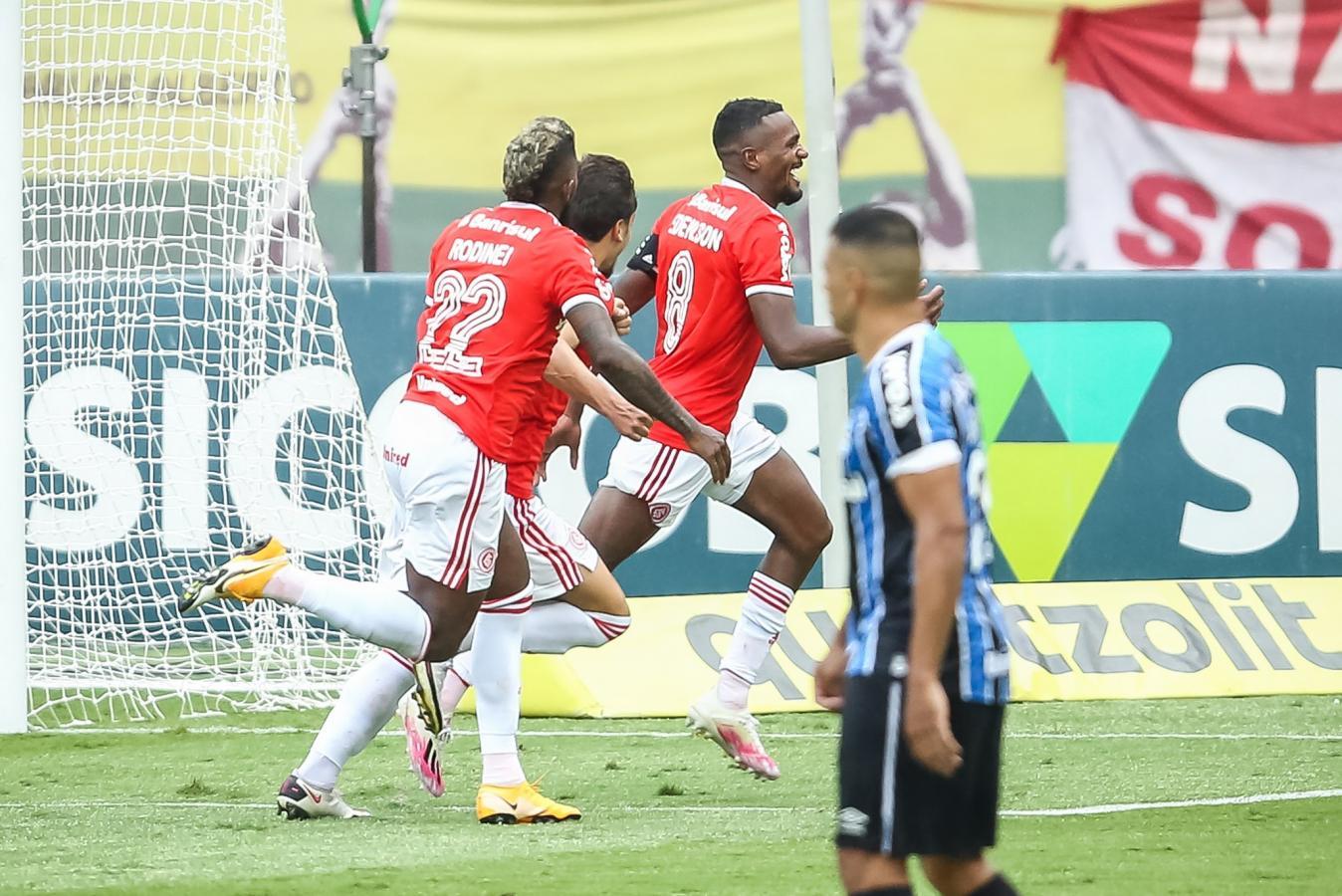 Edenilson logró el tanto del triunfo en el minuto 98. Triunfo histórico de Internacional ante Gremio.
