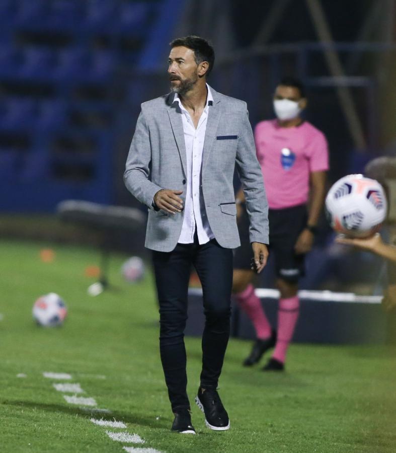 Look Kily González. CONMEBOL