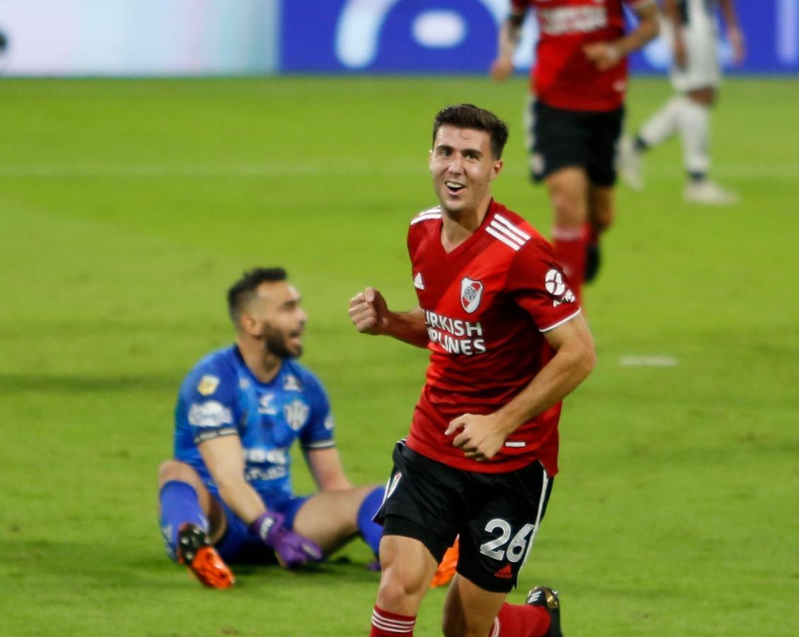 Primer gol en Primera División para José Paradela. Así lo celebra el ex Gimnasia. Foto: Emilio Rapetti (Telam)
