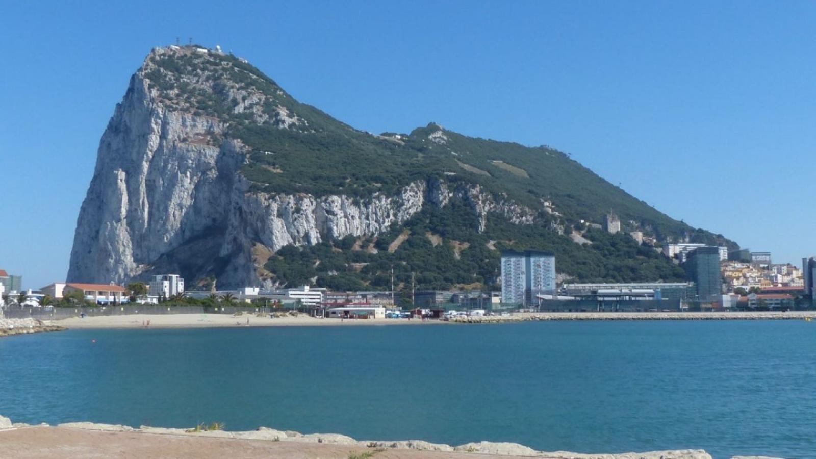 La liga de fútbol de Gibraltar se fundó en 1907, 22 años antes que la española.