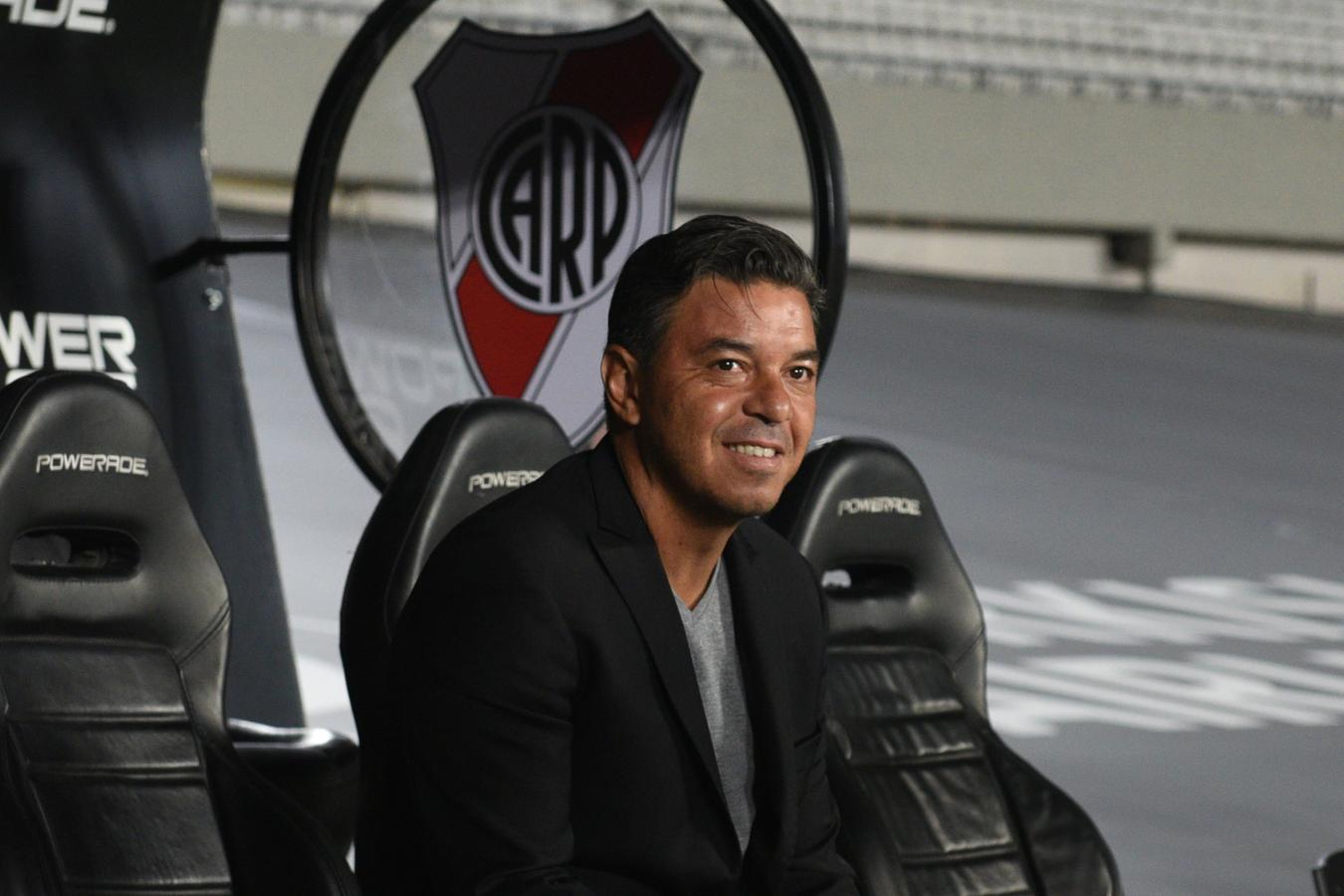 Gallardo sonríe porque podrá contar nuevamente con sus dos laterales favoritos: Montiel y Angileri.