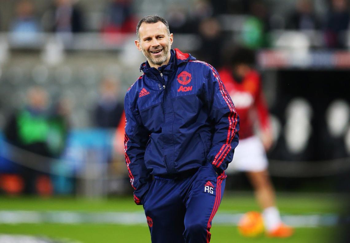 Ryan Giggs, técnico y jugador en Manchester United.
