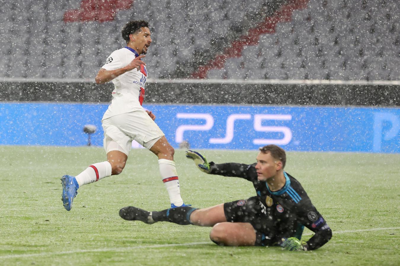 Marquinhos acaba de superar a Manuel Neuer para el 2-0 de los parisinos. El brasileño saldría por lesión. Foto: @ChampionsLeague
