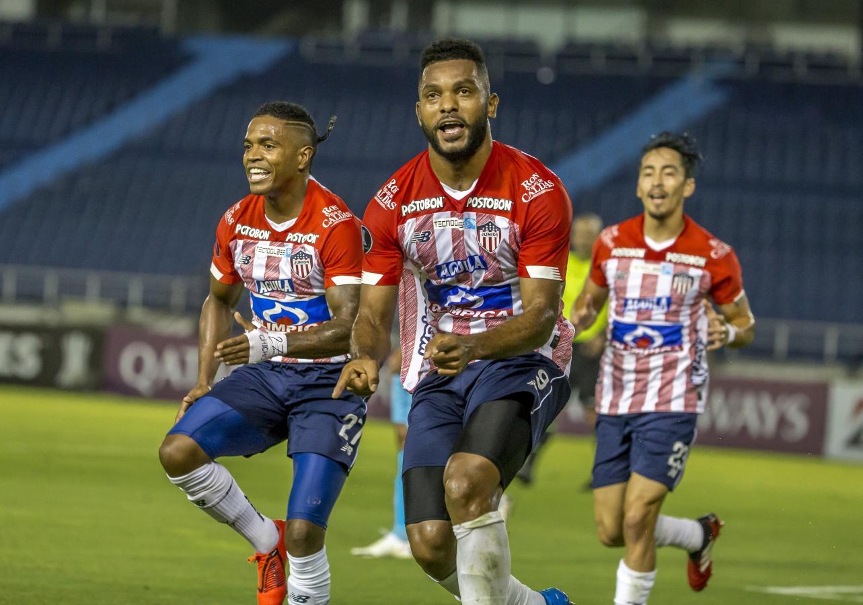 Junior comenzó bailando pero terminó sufriendo, pese al 3-0 final. Foto: @Libertadores