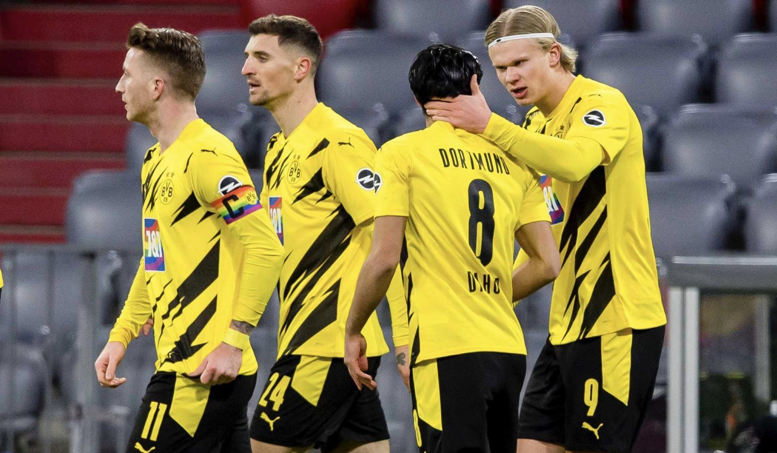 Haaland celebra su segundo tanto personal y de su equipo. El noruego llegó a los 19 goles en la actual Bundesliga. Salió lesionado en el segundo tiempo.