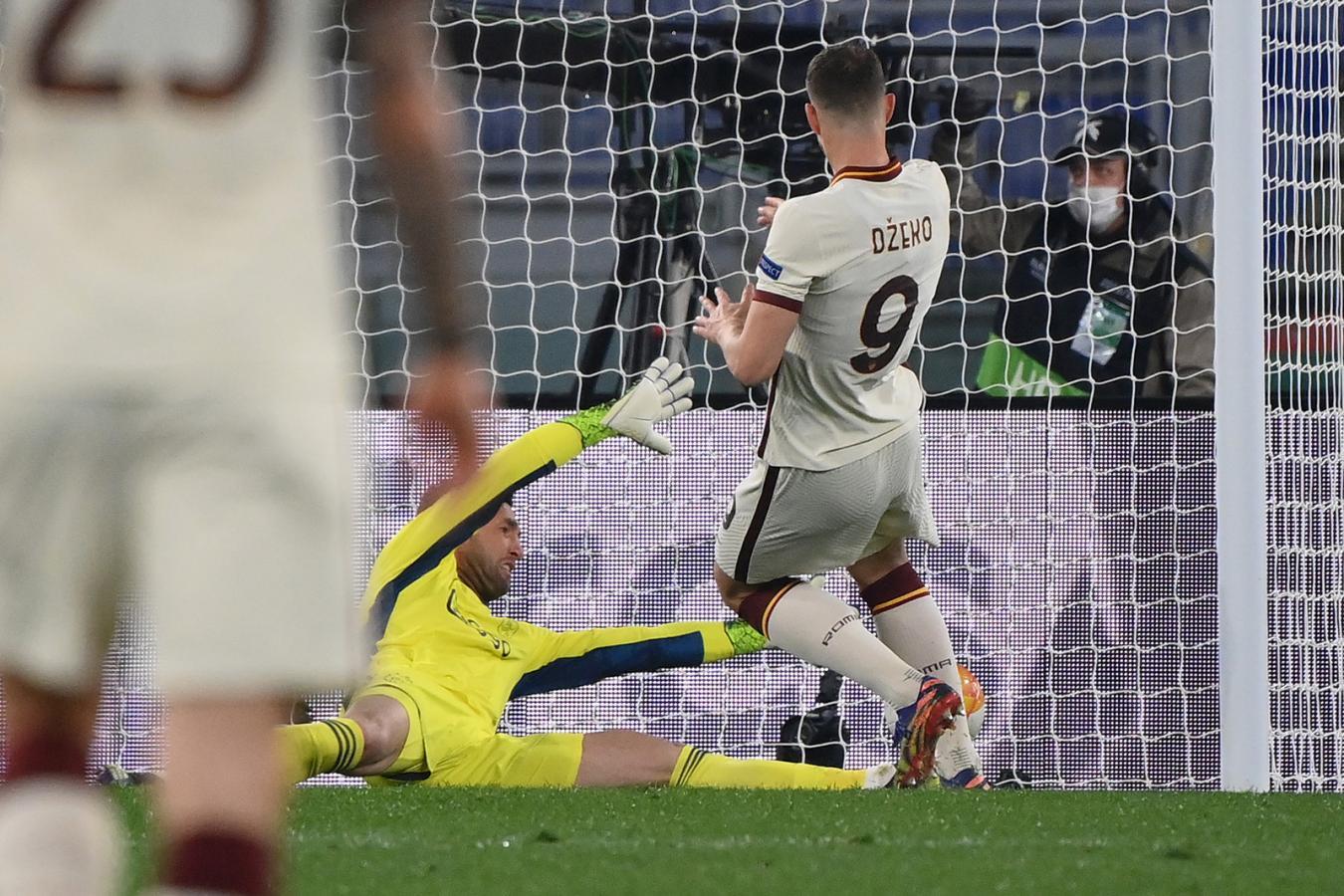 Edin Dzeko marcó un gol clave para que Roma avance a semifinales. Fin del sueño para Ajax en la Europa League. Foto: @OfficialASRoma