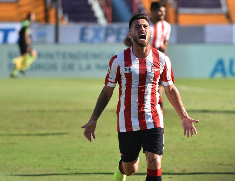 Ángel González marcó el segundo tanto del equipo de Zielinski. Fotos: Alfredo Luna (Telam) y @EdelpOficial