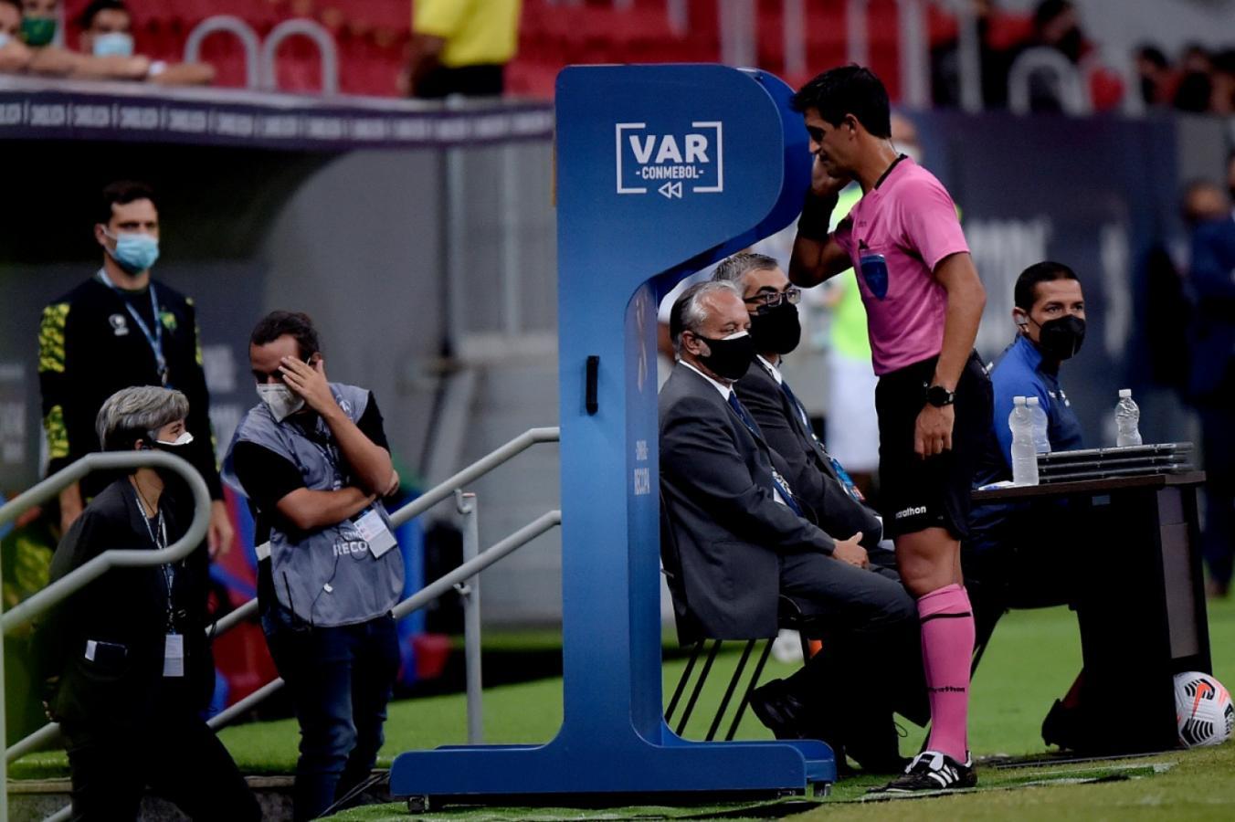 Chequeando el VAR. CONMEBOL