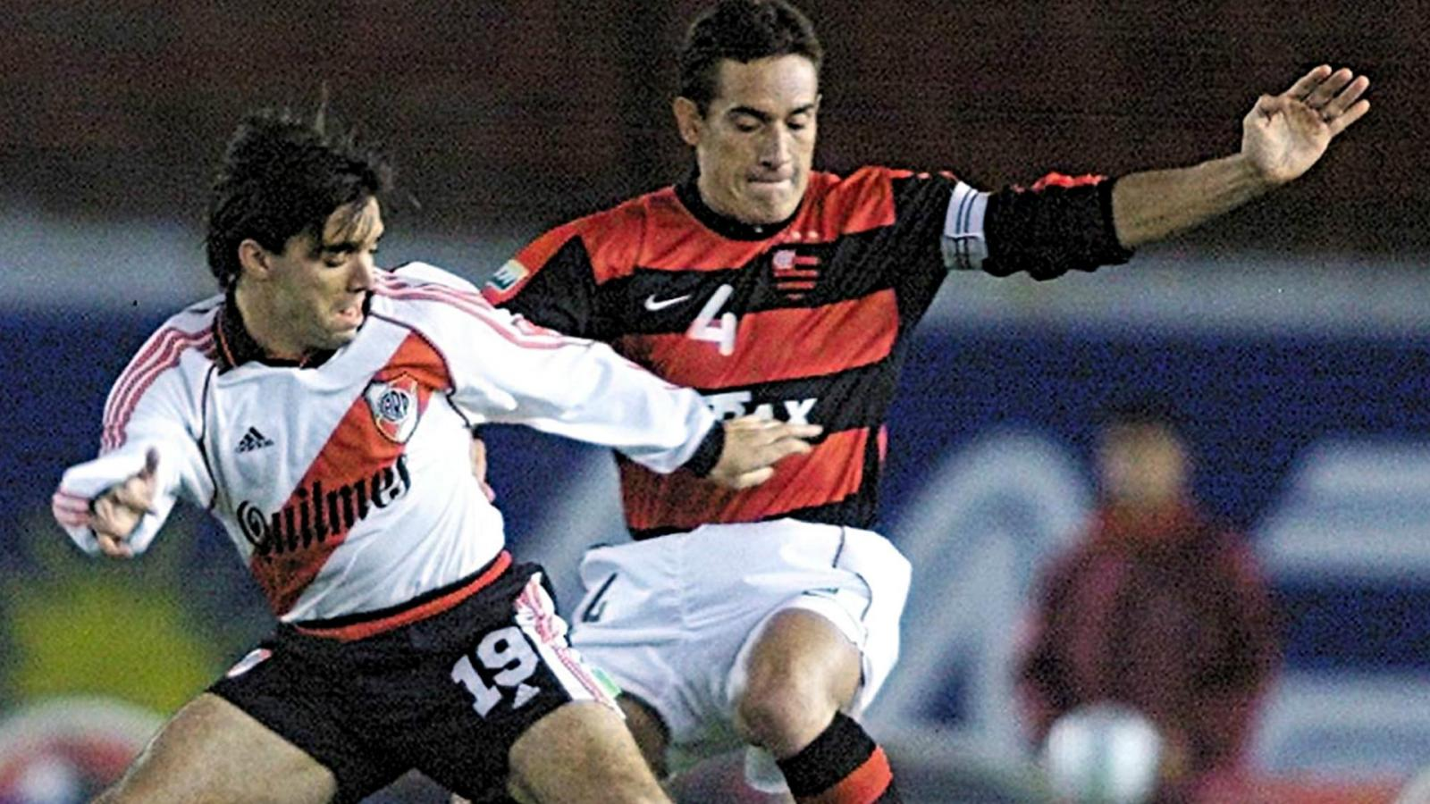 River ganó sus dos partidos contra el Flamengo en el Maracaná por la Mercosur 2000.