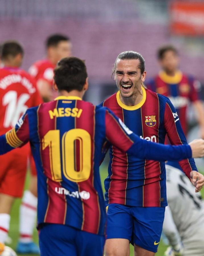 La sociedad del gol en Barcelona. Después de una pared entre Messi y Griezmann llegó la apertura del marcador.