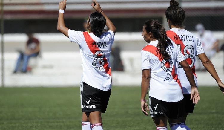 Imagen de NUEVA GOLEADA DE RIVER EN EL FÚTBOL FEMENINO