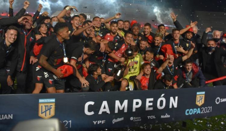 Imagen de VUELVE EL CAMPEÓN